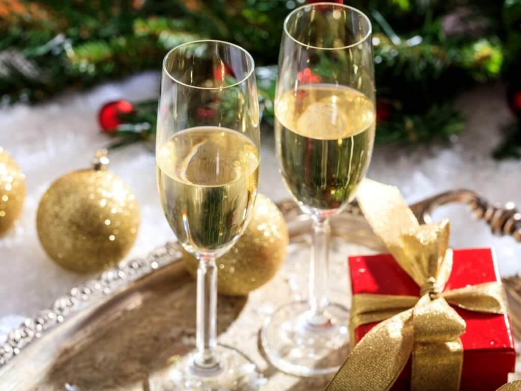 Набор продуктов к новогоднему столу стал дороже
