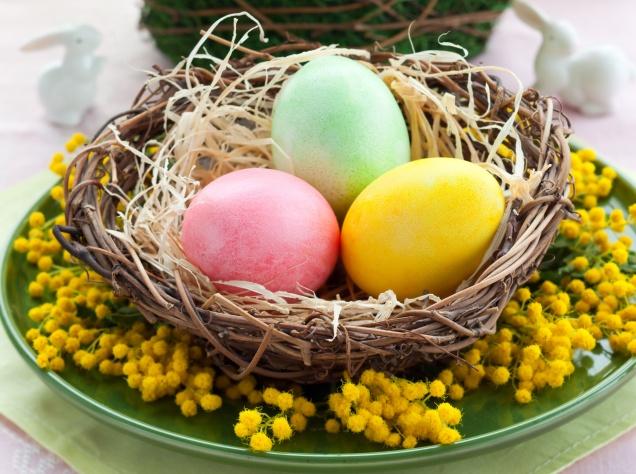 Почти 50% россиян собираются красить яйца к Пасхе