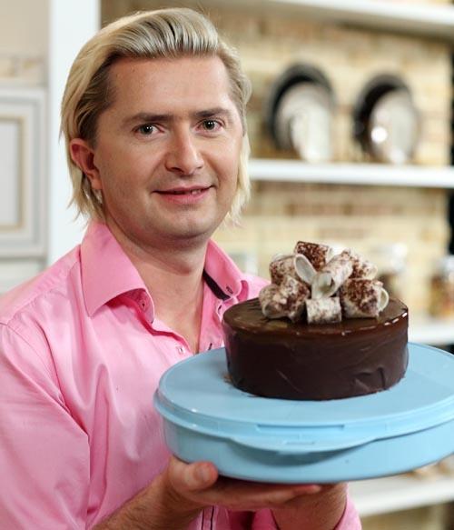 Звездному кондитеру России исполнилось 42 года