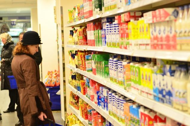 Сетевые магазины заморозят цены на товары