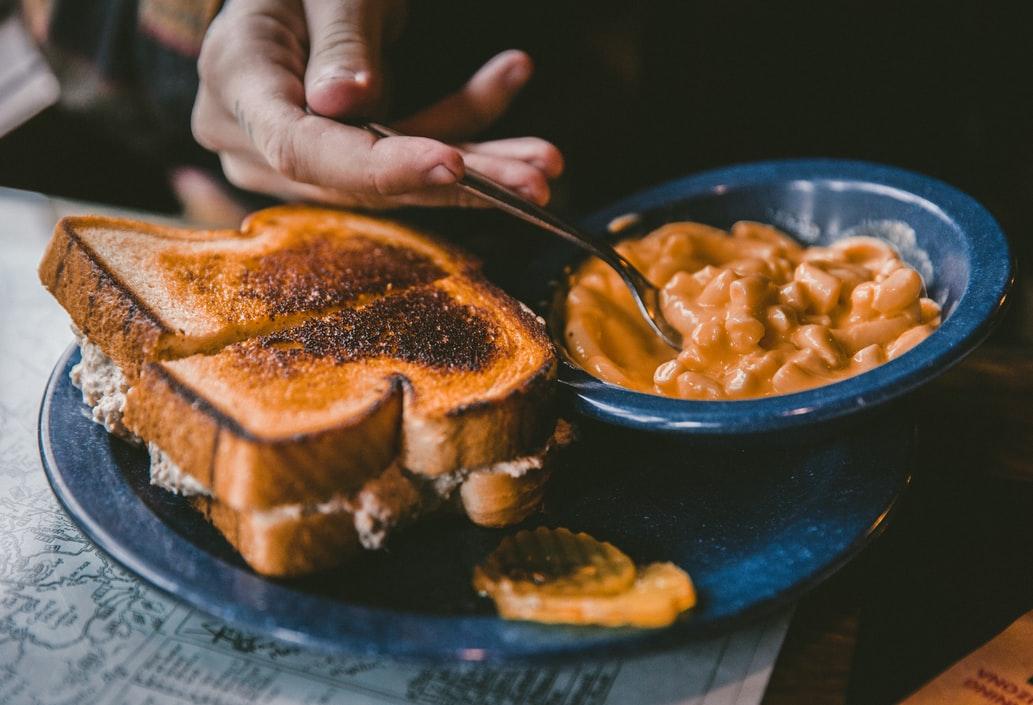 Grubhub: в 2020 пользователи доставок променяли вегетарианскую еду на комфортную и калорийную