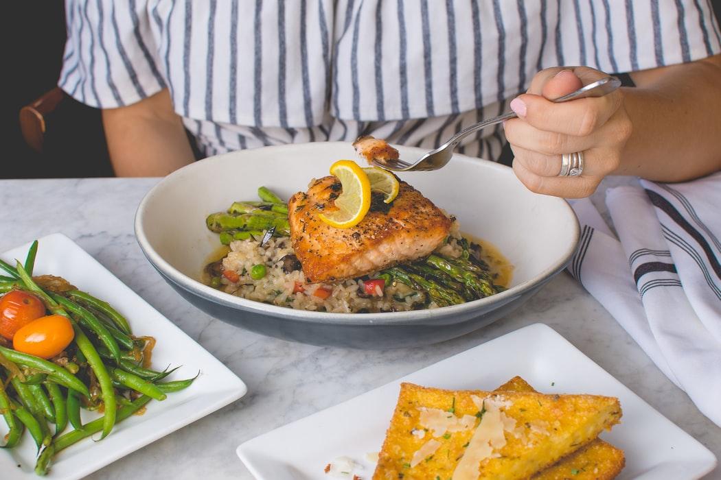 Регулярное употребление рыбы уменьшает повреждения мозга из-за грязного воздуха