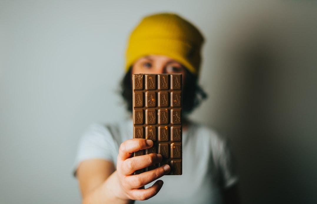 Mondelēz: во время пандемии люди спасались шоколадными батончиками и крекерами