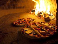 Голодная женщина вызвала службу спасения, потому что ее пицца готовилась слишком долго
