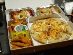 Почти половина москвичей заказывают еду на дом