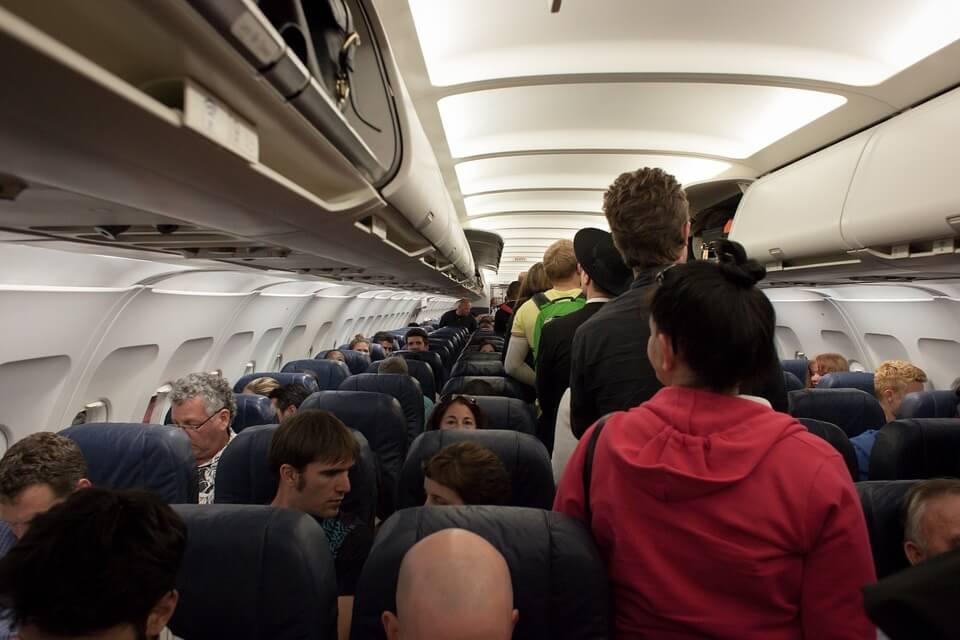 Пассажиров с алкоголем из duty free перестанут пускать в самолет
