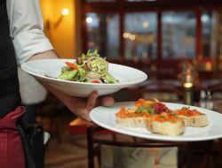 Зачем нужна обязательная сертификация персонала в ресторанах