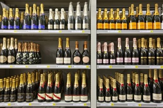 Определена минимальная стоимость шампанского