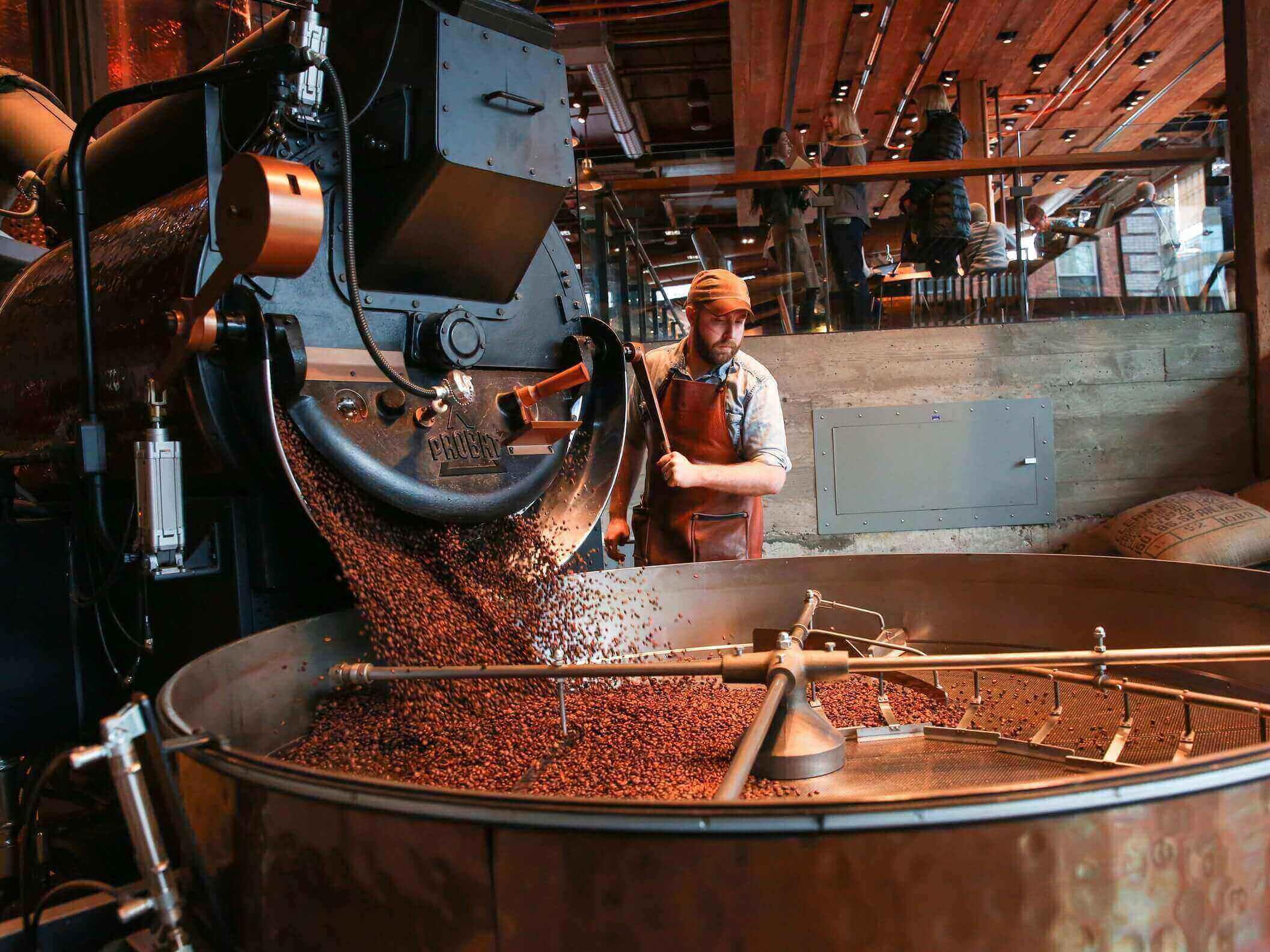 Starbucks откроет самую большую кофейню в мире