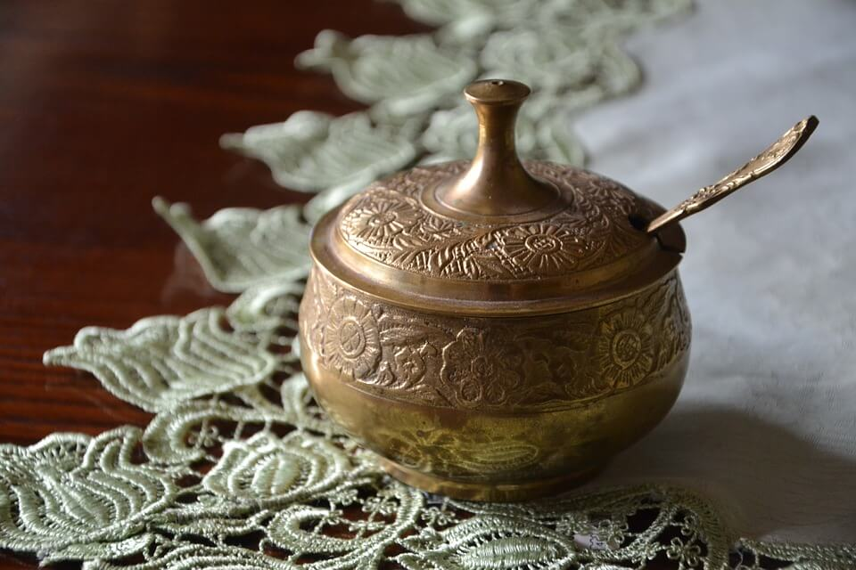 При благоустройстве улиц в Москве обнаружили старинную чайную