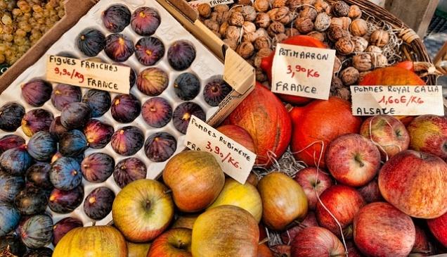 Во Франции будут отдавать непроданные продукты благотворителям