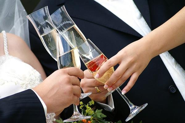 В Туве будут поощрять «трезвые» свадьбы