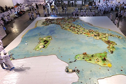 Итальянцы испекли самый большой торт в мире