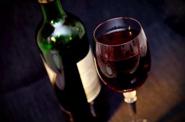 Цены на алкоголь поднимут на 25%