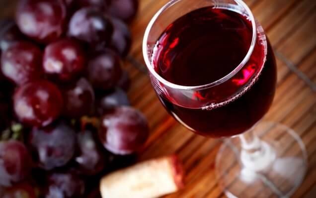 Бокал красного вина равен часу занятий в тренажерном зале