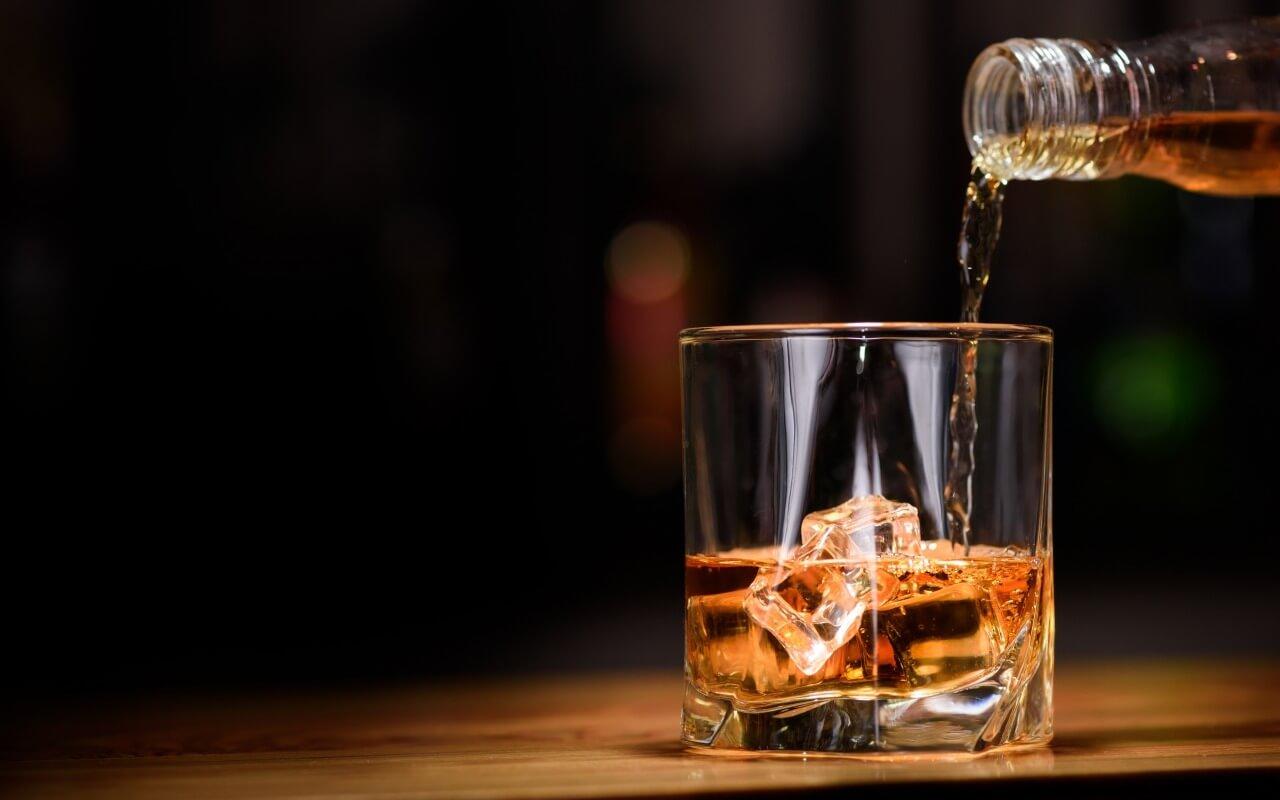 Минимальные цены на крепкий алкоголь повысят