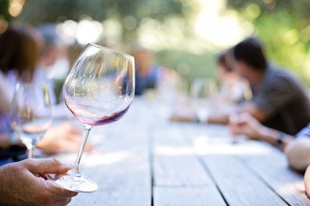 Как правильно хранить красное вино? Советы сомелье