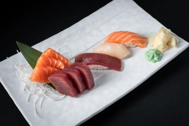 Ассорти суши и сашими